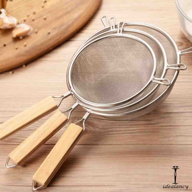 Pack Of 3 Strainer With Wooden Handle